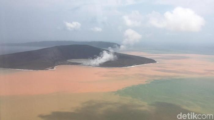Penampakan Gunung Anak Krakatau pada Minggu (13/1/2019) (Foto: Arief Ikhsanudin/detikcom)