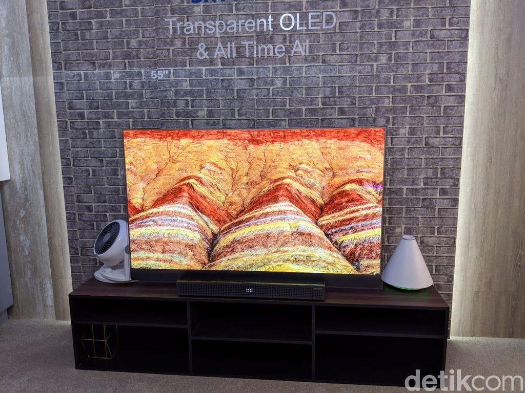 Televisi ini dibuat oleh Skyworth, perusahaan elektronik asal China. Foto: Adi Fida Rahman/detikINET