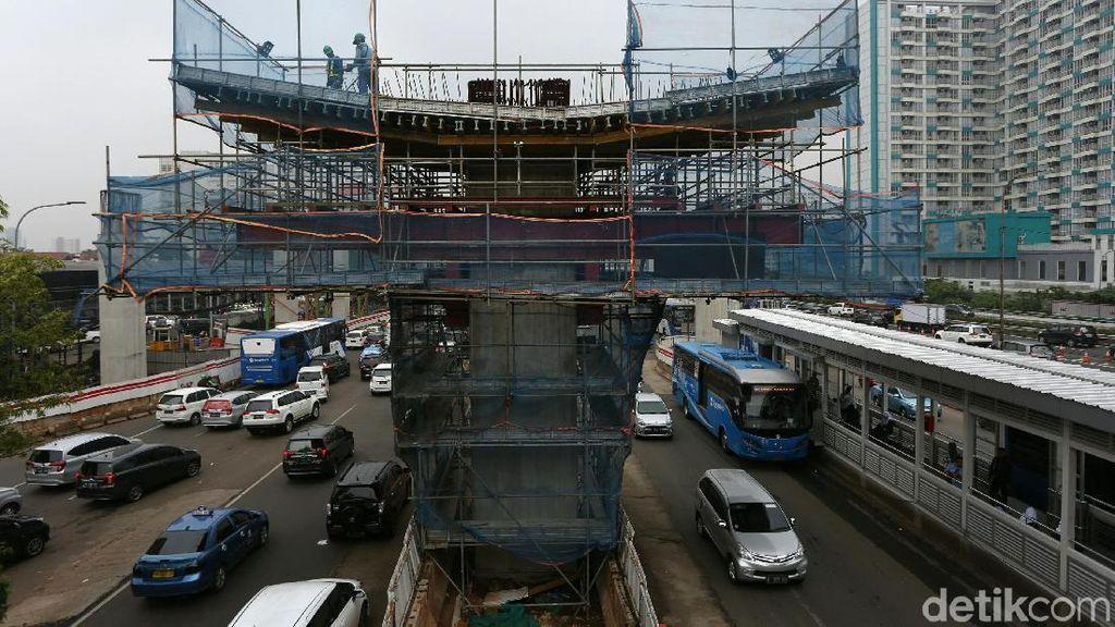 LRT Jabodebek Ditarget Operasi 2021, Progresnya Baru 62%