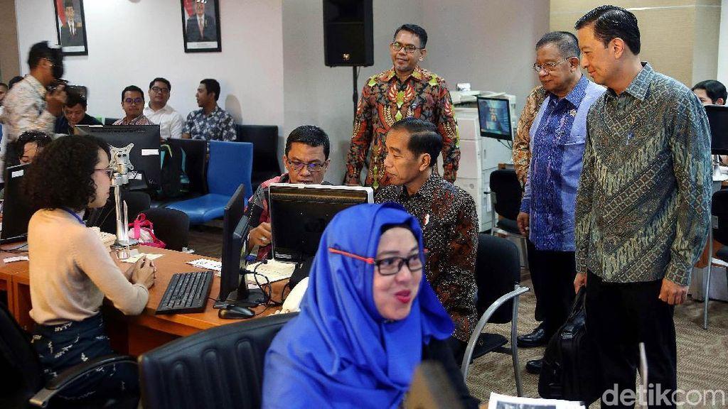 Urus Izin Online Cuma 2 Jam, Tapi di Daerah Bisa Berbulan-bulan