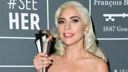 Lady Gaga Raih Penghargaan Critics Choice Awards