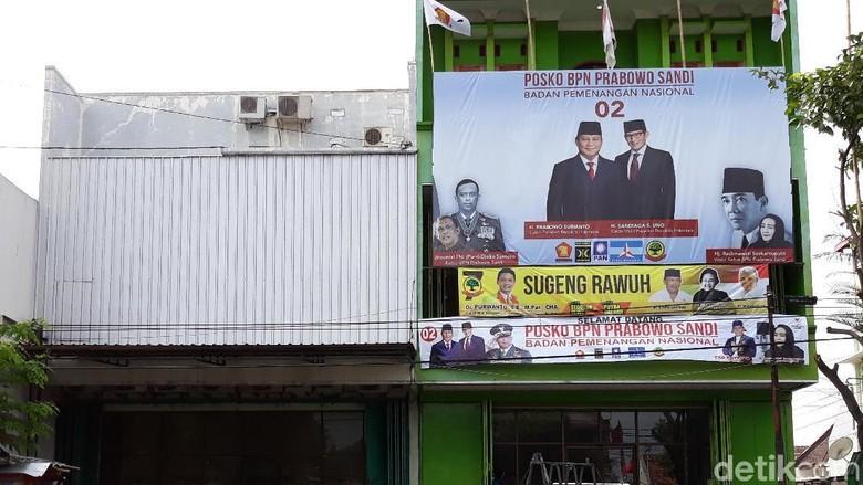 Foto Gatot Nurmantyo di Posko BPN Prabowo-Sandi Akhirnya Dicopot