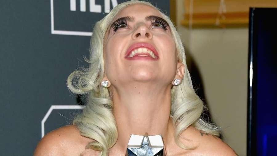 Lady Gaga Raih Penghargaan Critics Choice Awards