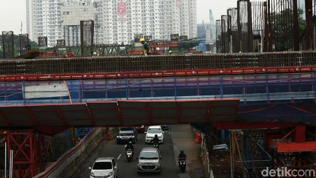 Proyek Infrastruktur Dikebut untuk Bahan Kampanye, Benarkah?