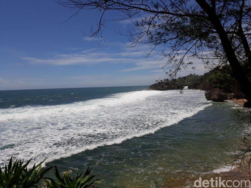 Pantai Porok terletak di Dusun Ngepung, Desa Kemadang, Kecamatan Tanjungsari, Kabupaten Gunungkidul. (Pradito Rida Pertana/detikTravel)