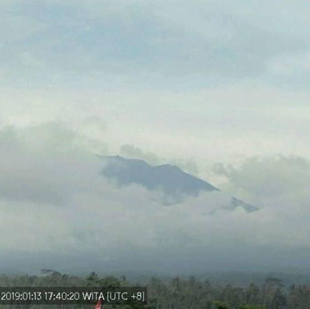 Warga Radius 4 Km dari Gunung Agung Tetap Diminta Waspada