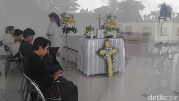 Karangan Bunga Megawati Soekarnoputri untuk Robby Tumewu