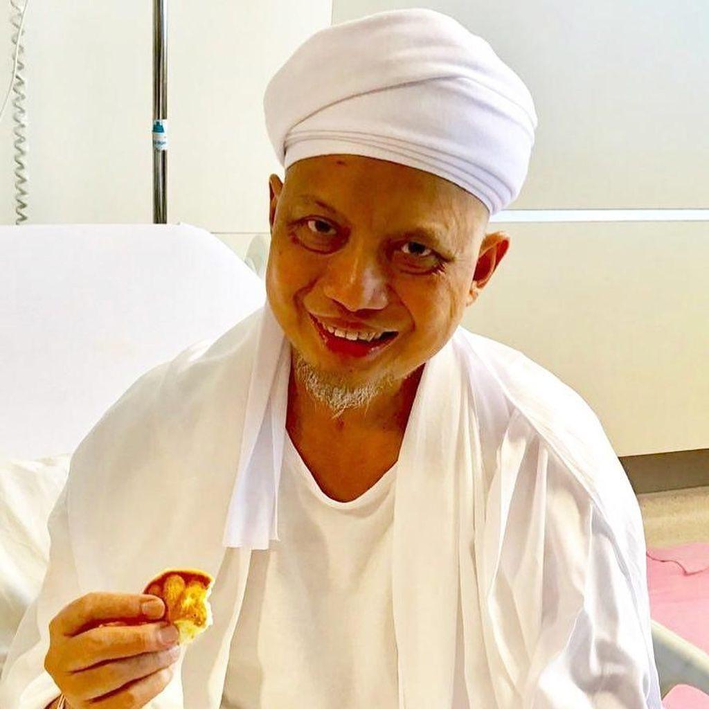 Dikabarkan Meninggal, Anak Sebut Kondisi Ustaz Arifin Ilham Membaik