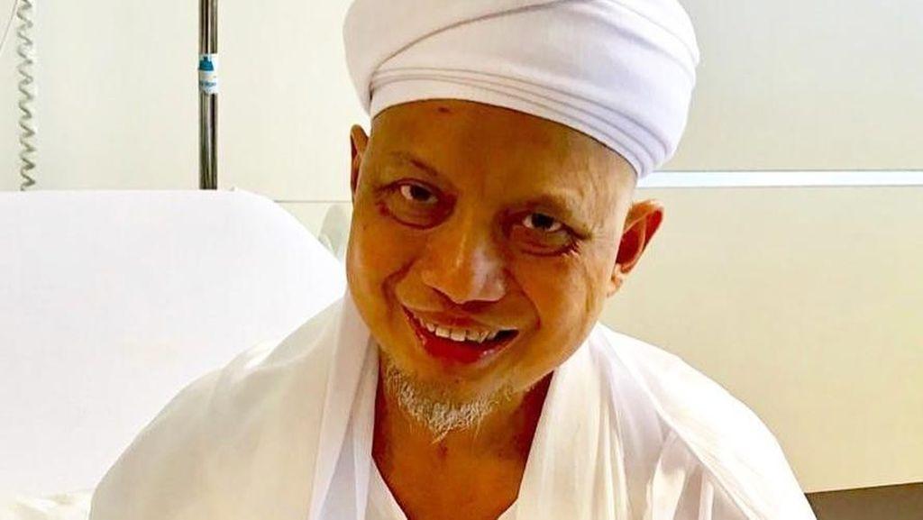 Senyum Ustaz Arifin Ilham yang Kondisinya Sudah Mulai Membaik