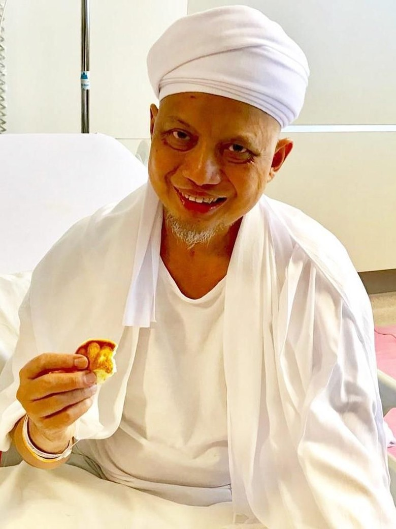 Foto: Ustaz Arifin Ilham saat dirawat di Penang (Instagram @alvin_411)