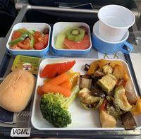 Mau Komentari Makanan Pesawat dari Seluruh Dunia? Intip Instagram Ini