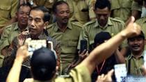Momen Jokowi Minta Ribuan Perangkat Desa Tak Demo