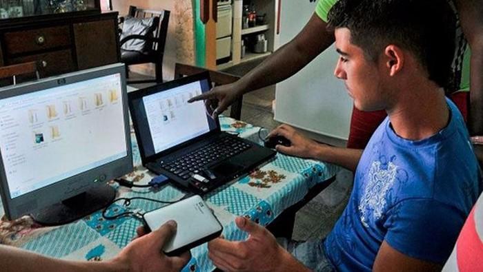 Layanan el paquete semanal di Kuba. Foto: islalocal.com