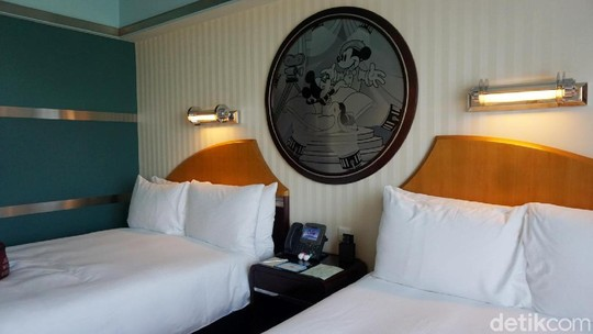 Berkeliling di Disney Hollywood Hotel