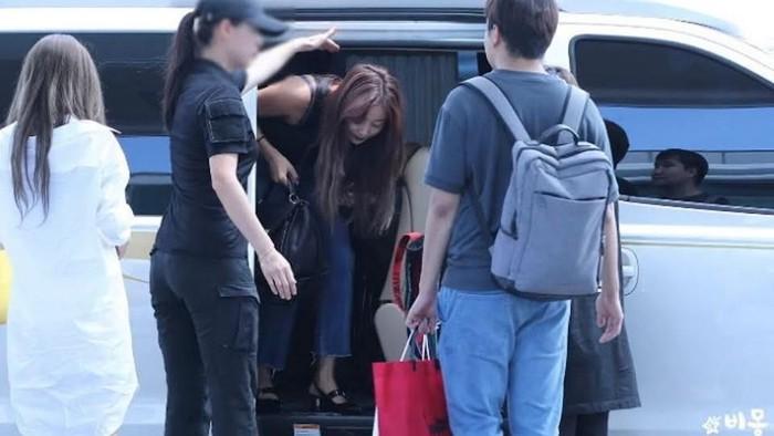 bodyguard wanita twice