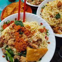 Modal Rp 50 Ribu, Bisa Makan Enak dan Puas di Wilayah Blok M!