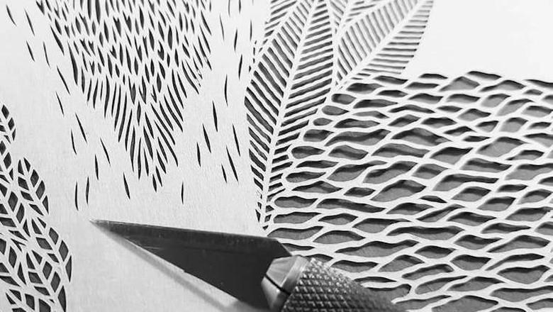 Seni Potong Kertas, Pekerjaan Penuh Detail Bermodal Pisau