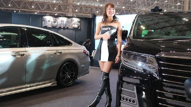 Senyum Manis dari yang Imut-imut di Tokyo Auto Salon 2019