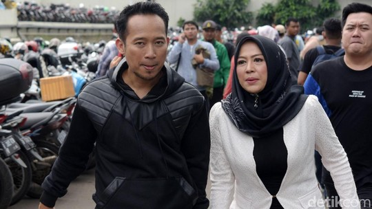 13 Tahun Bersama, Denny Cagur dan Shanti Justru Makin Romantis