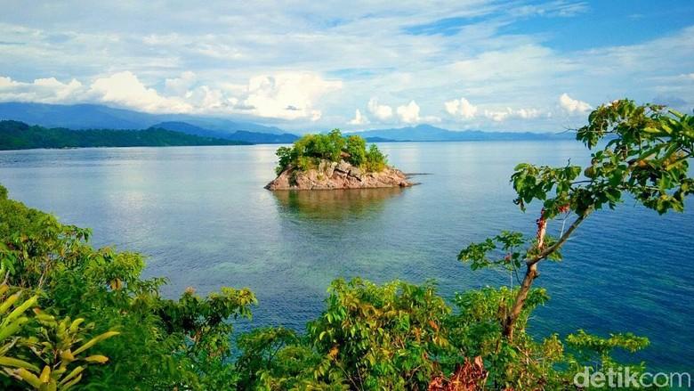 Pulau Karamasang, pulau cantik tapi tersembunyi di Sulawesi Barat (Abdy Febriady/detikTravel)