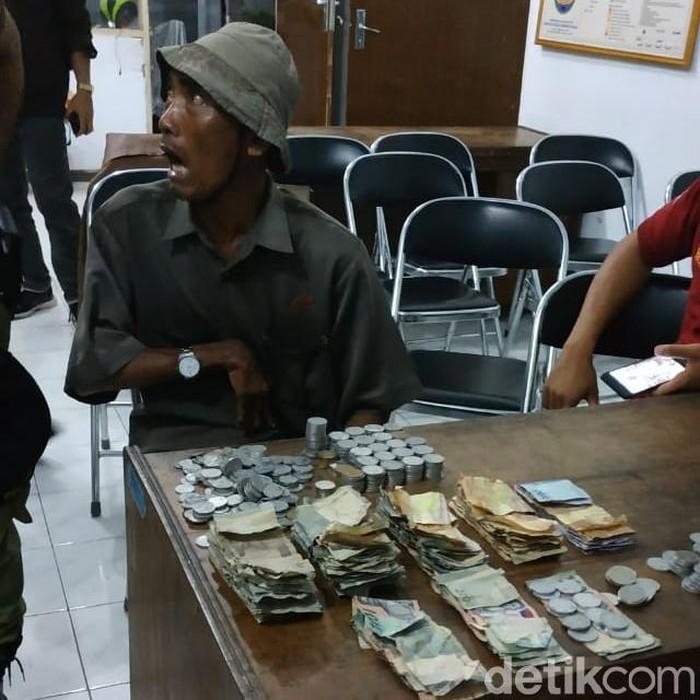 Legiman saat ditangkap (Foto: Dok Satpol PP Pati)