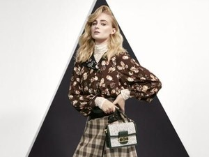 Foto: 10 Artis Hollywood Jadi Model Dadakan Katalog Louis Vuitton