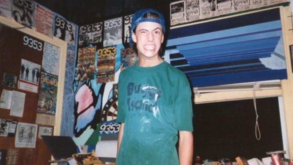 HBD Dave Grohl! Anak Guru, Drop Out dan Jadi Rock Star