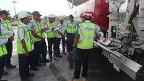 Pertamina Latih Operator Pengisi Bahan Bakar Pesawat di Papua