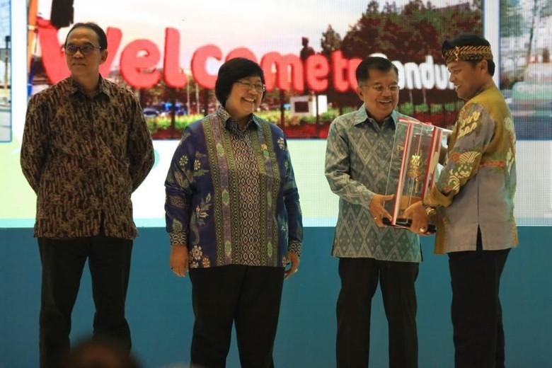 Pemkab Bandung Raih Penghargaan Adipura