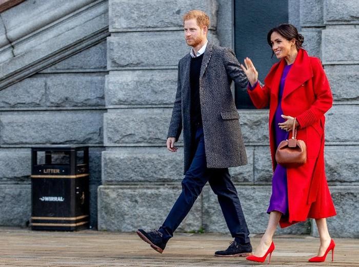 Meghan Markle kerap pakai heels meski tengah hamil. (Foto: Getty Images)
