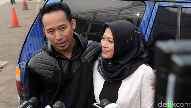 Gara-gara Telur Ceplok, Denny Cagur dan Istri Bertengkar Hebat