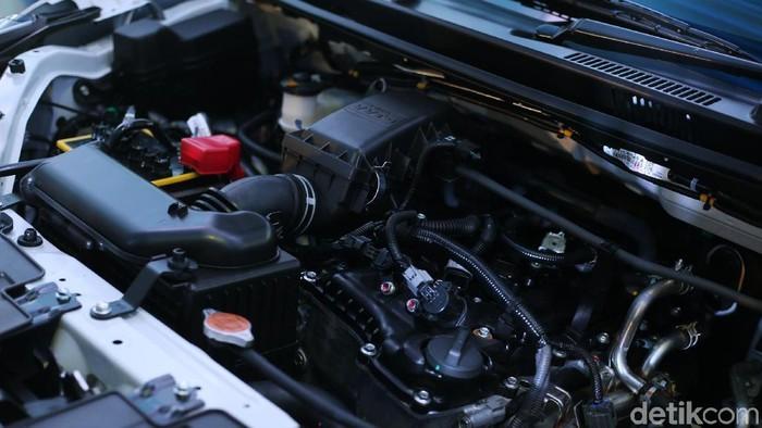 Cara Mencuci Mesin Mobil yang Benar