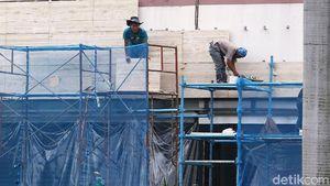Nasib Para Pekerja, Bertaruh Nyawa Demi Menyambung Hidup