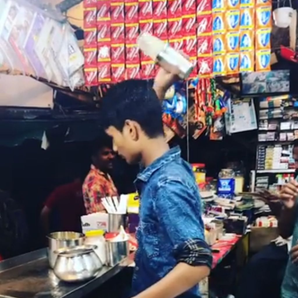 Aksi Penjual Meracik Sharbat Ini Bikin Netizen Kagum