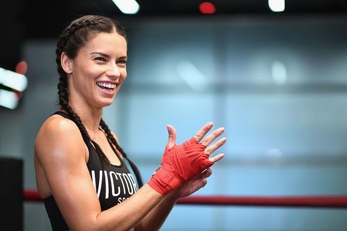 Adriana mengaku olahraga sudah menjadi bagian hidupnya. Dari semua olahraga yang pernah ia coba boxing jadi pilihan favorit. (Foto: Dimitrios Kambouris/Getty Images)