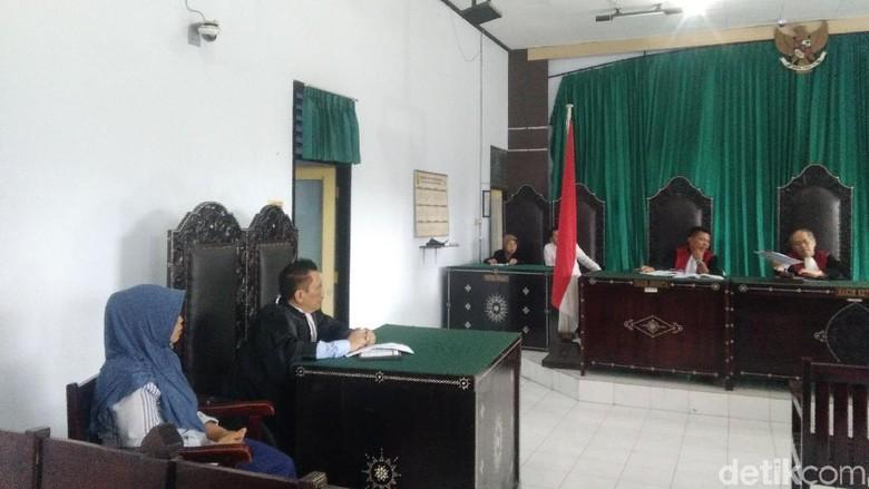 Berkas PK Baiq Nuril Dikirim ke MA