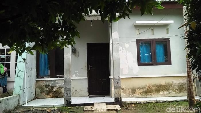 Rumah kontrakan yang ditinggali Legiman. Foto: Arif Syaefudin/detikcom