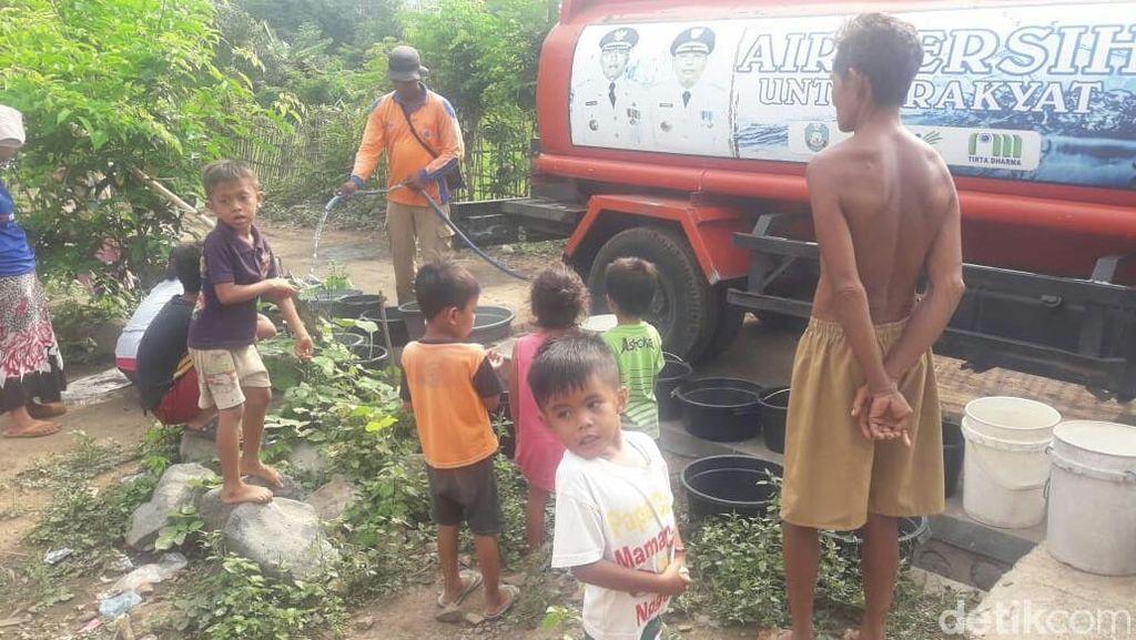 Musim Hujan, Warga 4 Dusun di Situbondo Masih Kekurangan Air Bersih