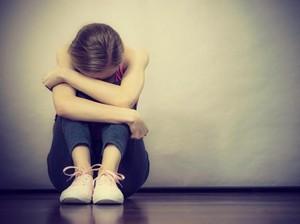 Bikin Iba, Wanita Dipukuli Ibu Hingga Berdarah karena Masih Jomblo di Usia 30