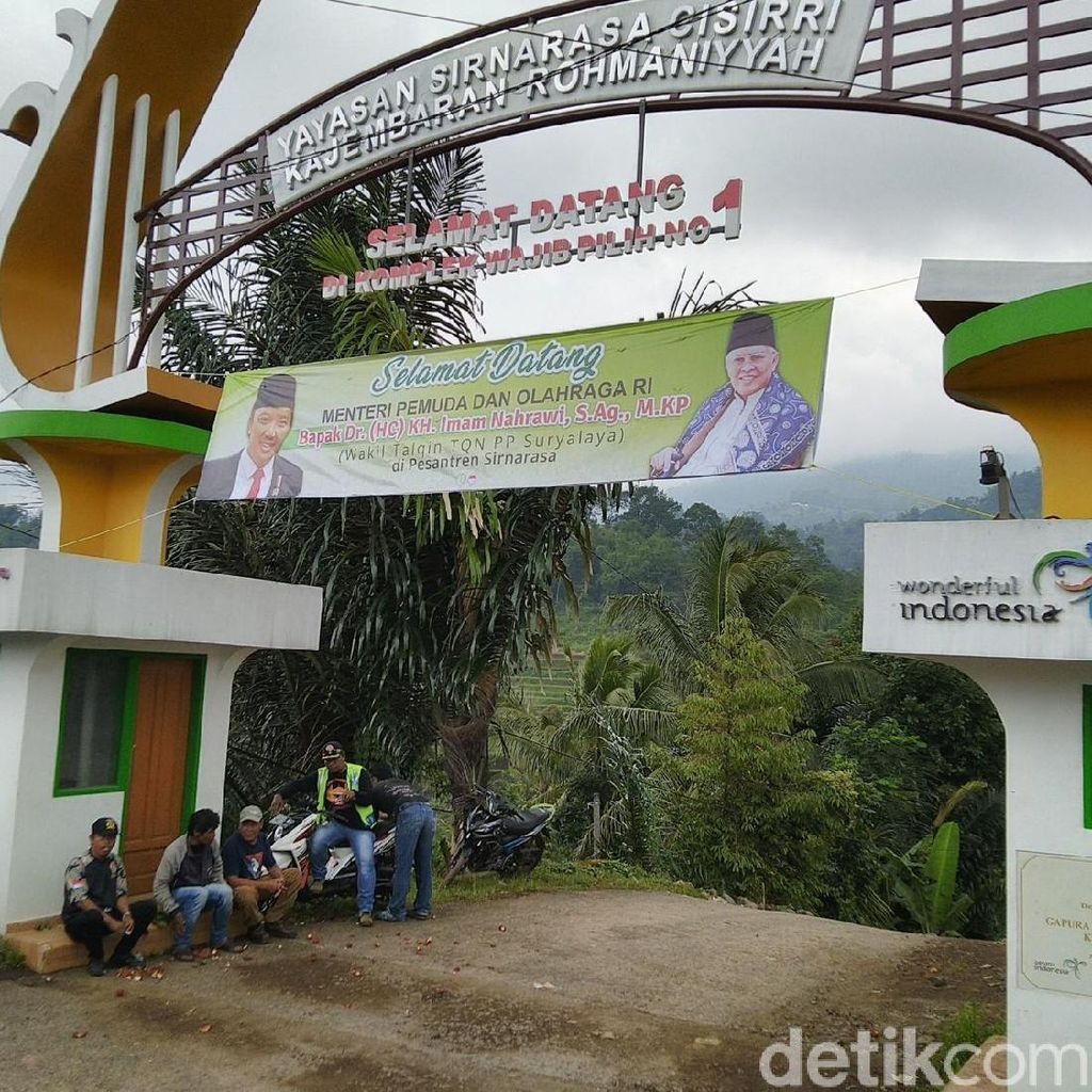 Menpora Sambangi Ponpes Wajib Pilih Nomor 1 di Ciamis