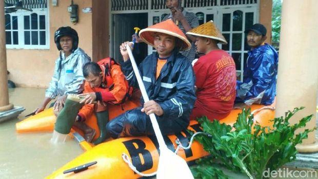 Banjir Melanda Kebumen, Ribuan Warga Mengungsi
