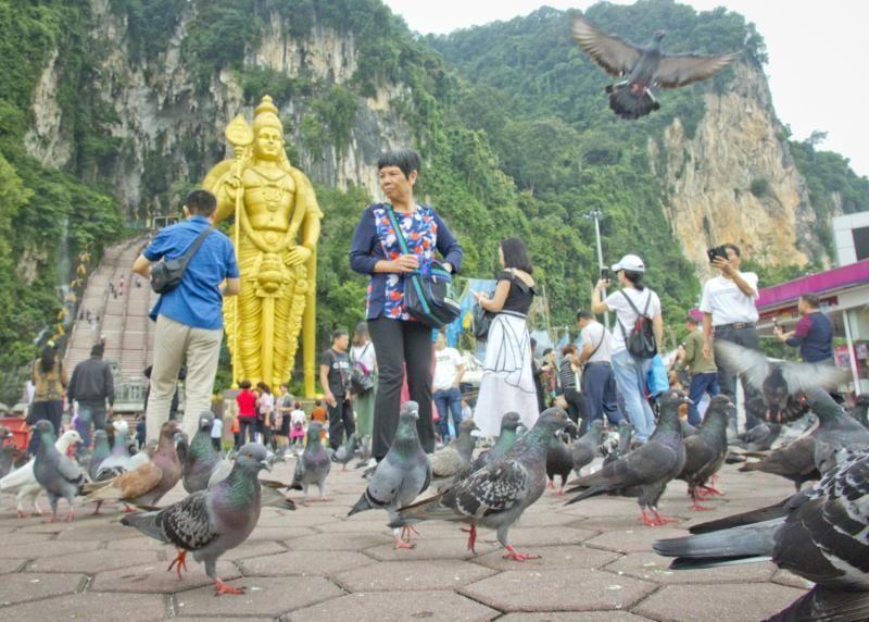 Wisatawan di Batu Caves di Kuala Lumpur, Malaysia
