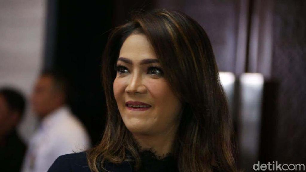 Jurus Ira Koesno yang Belum Nikah, Patung Karya Nyoman Nuarta Dijarah