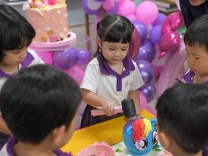 Meriahnya Pesta Ulang Tahun Gempita dengan Hujan Cokelat dan Permen