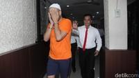 Asisten Ivan Gunawan berinisial AJA saat ditemui di Polres Jakarta Barat pada Kamis (17/1).Lamhot Aritonang/detikFoto