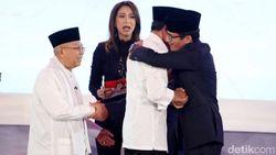 Cerita Sandi yang Dipeluk Pendukung Jokowi Usai Debat Perdana