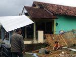Belasan Bangunan di Tegal Rusak Akibat Angin Kencang