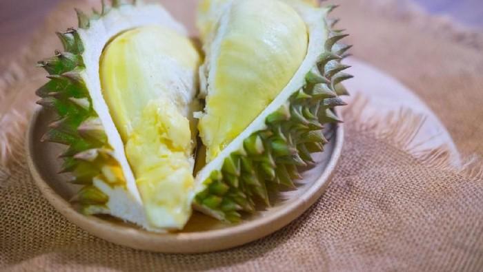 Benarkah ada beberapa hal yang sebaiknya tidak dikonsumsi bersamaan dengan durian? (Foto: istock
