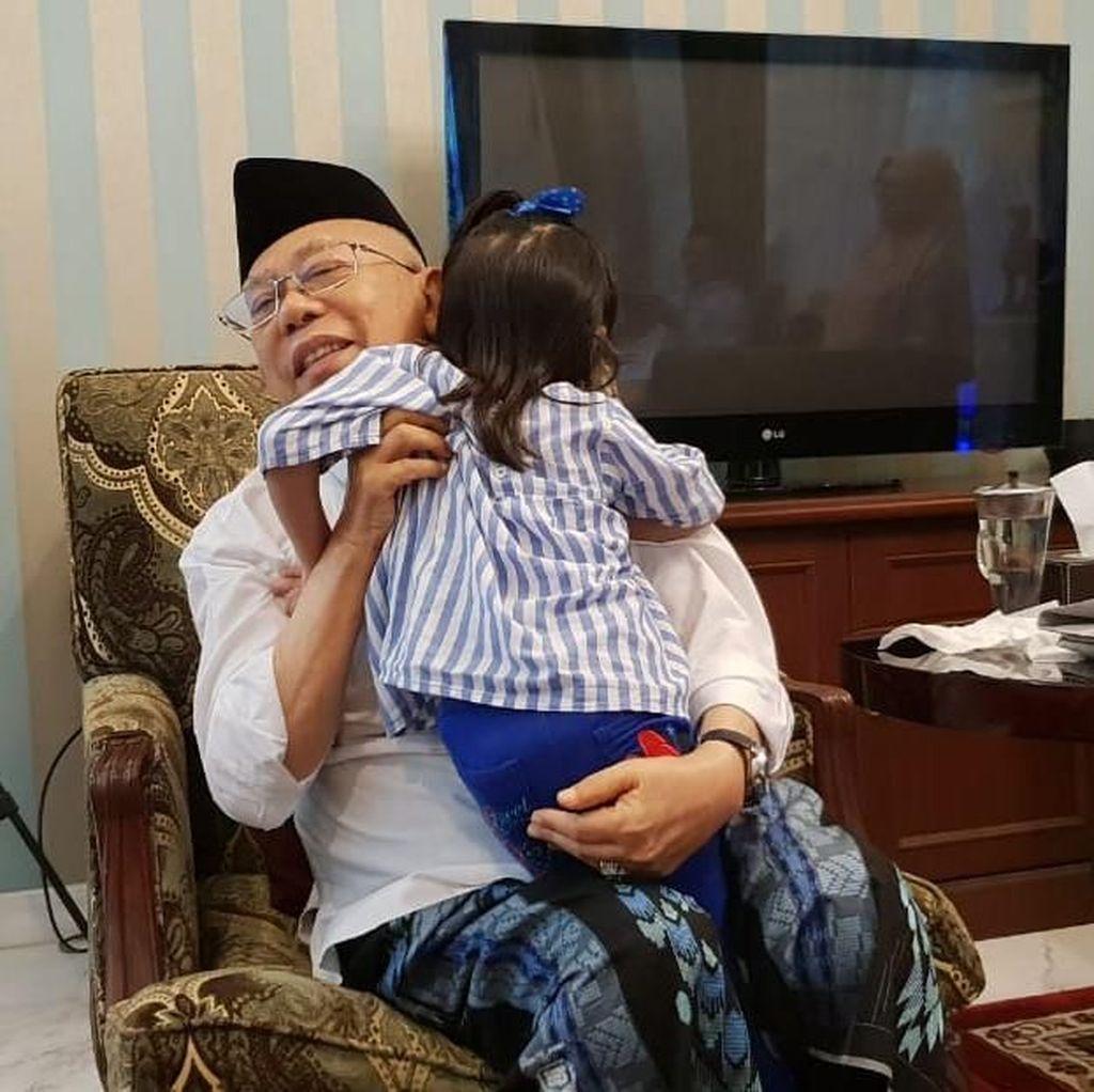 Rileks Jelang Debat, Maruf Amin Bermain dengan Cucu