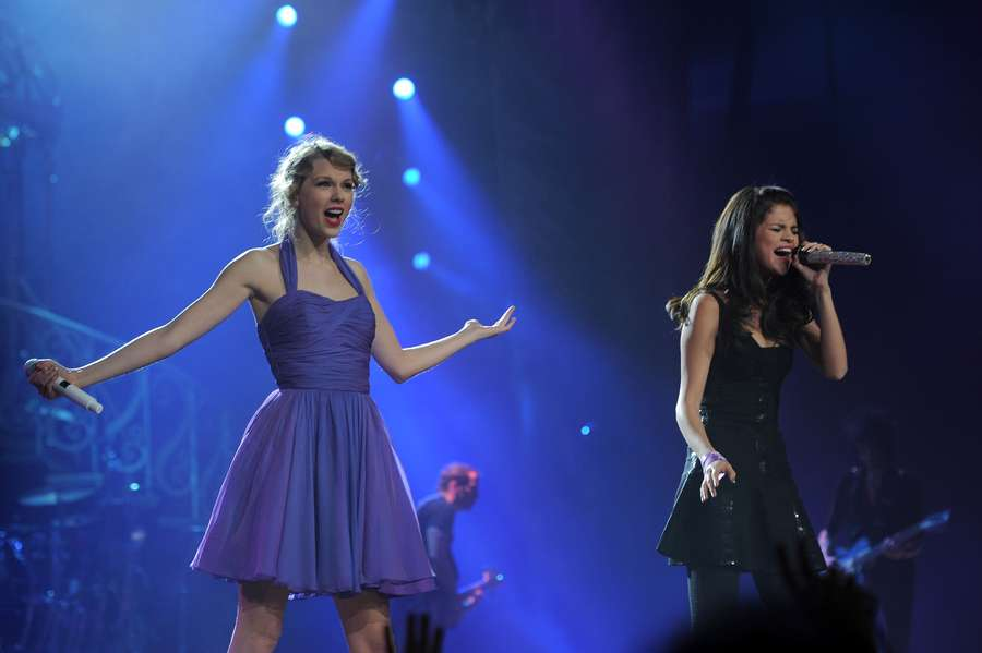 Persahabatan Selena Gomez dan Taylor Swift Bikin Iri